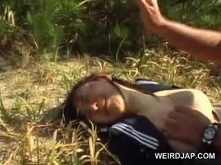 Innocent asiatic școală fata forțat în hardcore sex afara