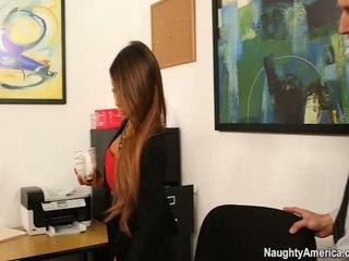 Oustanding jug chief madison ivy receives employee banana en su oficina