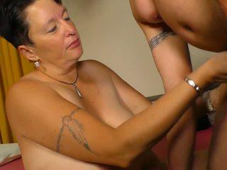 Xxx omas - amatir diwasa bayan with german brunette.