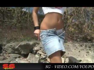 Utcán és nadrágos pisser adriana russo teljesen hd