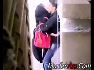 Hijab draußen sex 2