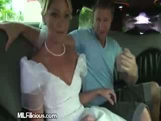 Groom gets freaky σε limo