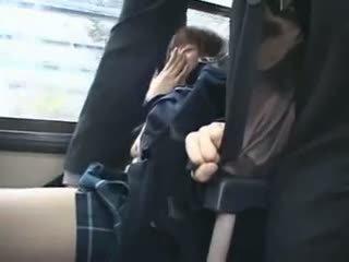 Shocked teengirl groped i tåg
