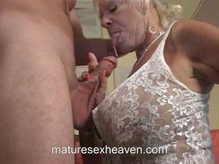 Starý dáma does ji soused, volný the swinging babičky vysoká rozlišením porno