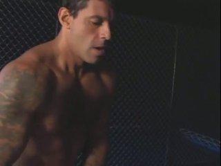 Une bela e o prisioneiro (2004)