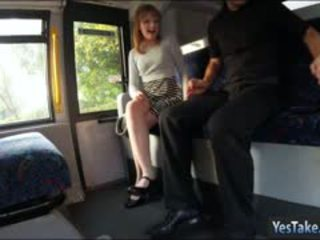 Bushy teen mädchen lola muschi slammed von inspector im die bus