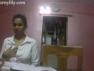 인도의 섹스 선생 뿔의 lily 사랑 lesson
