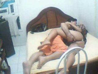 Indiškas pora prigautas namai sextape