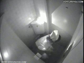 Masturbation hidup toilet ruang