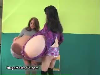 Sexy asiatic gagica rina cu enorm balcoane part3