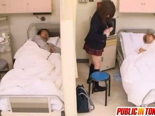 غير مطيع اليابانية في سن المراهقة gets مارس الجنس في ل مستشفى قاع