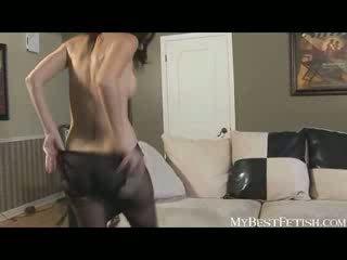 Melnādainas zeķbikses fetišs