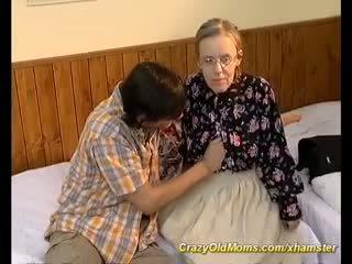 Екстремальна волохата мама needs глибоко анал секс, порно a6