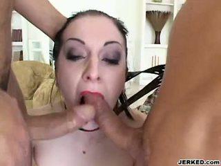Renee pornero takes 2 कठिन जॉक्स पर उसकी मुंह पर the समान समय