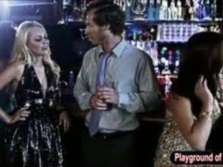 Sexy rubia nena aaliyah amor follando un nerd en la discoteca