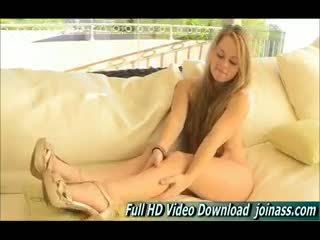 Madison mladý blondýna dievča masturbovanie ftv