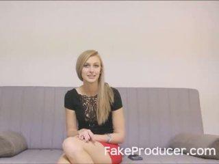 Garas blondīne alexa grace nepieredzējošas no fakeproducer