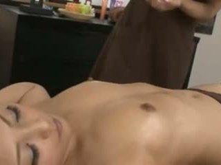 Një japoneze masseuse dhe të saj klient