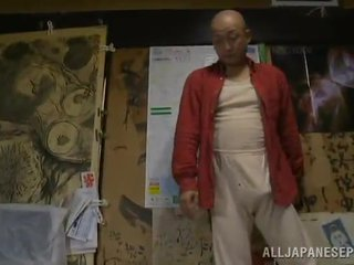 Bigtitted bevállalós anyuka has shaged által neki bald hubby -ban egy hálószoba
