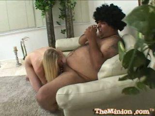 Aaliyah jolie 먹다 떨어져서 a 작은 수탉 의 a cubby chap