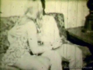 Breasty blondīne retro shag