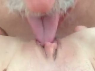 I love sucking and licking pussy.