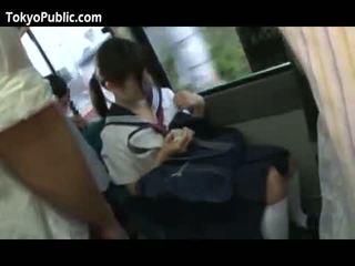 Japans school- babes krijgen cumshots publiek