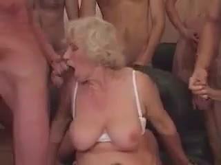 Babcia norma w a gangbang