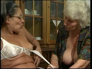 dvigubai skverbtis, močiutė, dildo