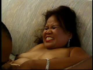 Karstās lielas skaistas sievietes pieauguša aziāti sarah works a dildo un gets plowed
