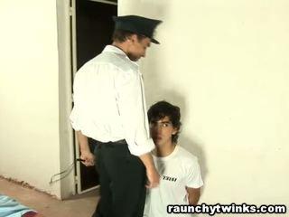 Slimmad tw-nk tastes arrest guard's stor fett kuk