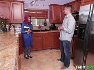 Malaking suso arab tinedyer gets a Mainit pagbuga ng tamod filling