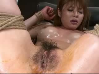 Extra Close Up Squirting