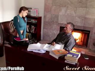 Sweetsinner sara luvv arrapato per step-dad