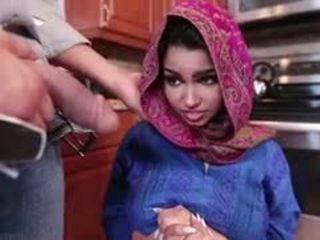 Arrapato bruna arab giovanissima ada gets filled