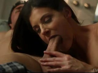 Glamour wife India Summer boned in doggy