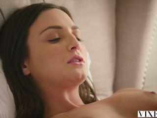 Fúria com príťažlivé opatrovateľka fucked podľa ju šéf: zadarmo porno 1c