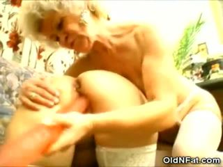 আলগা বাধন এবং তার বিশাল dicks
