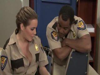 Cứng khiêu dâm trailer reno 911 bobbi starr, jada cháy, jessica lynn, natasha đẹp, sophie dee, stephanie cane, violet monroe