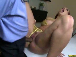 Kelly divine fucks en bikini