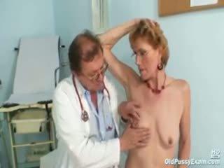 Ízléses régi hölgy mila needs gyno clinic examination