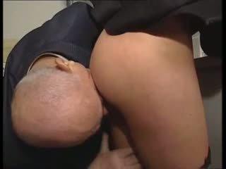 Heet bodied non gets fondled door pevers oud man !