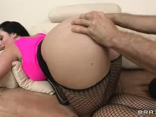 Sophie dee gets hänen mehukas iso takapuoleninokan filled kanssa raskas mulkku