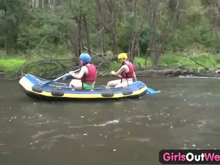 Kızlar dışarı west: üç bukkake gençler gitmek lezbo içinde the outback