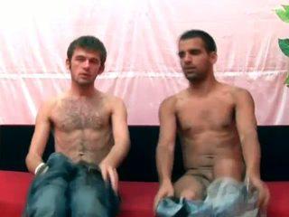 Two gay guys chupar stiff rod e obter