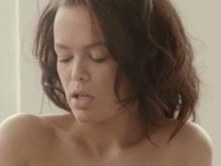 Breasty māksla sekss uz the aizkulises