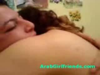 ผู้หญิงสวย curvy arab sucks ปิด bf ไปยัง ได้รับ ระยำ ใน โฮมเมด