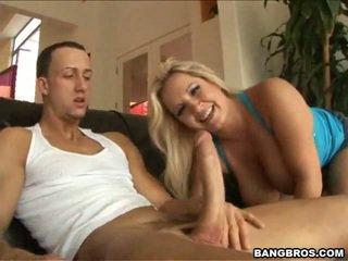 Rachel 愛 一起 周圍 她的 pair 的 門環