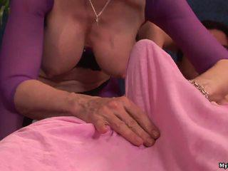 Lielas Krūtis