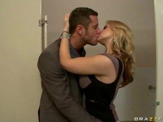 Groot tieten seks video's van wifes